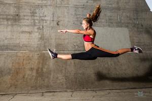Martina cvičící – skákající